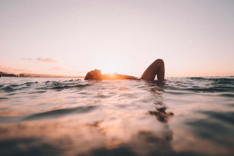 Interview With Amy Pearl Lifestyle Photographer and Surfer
