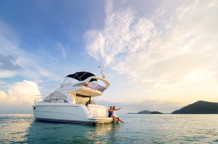 Flexible use - just the way you want it - Your desired holiday period is guaranteed! Additionally, there is nothing to stop you from enjoying a yacht holiday at short notice. This is possible because SmartYacht brings together shareholders with differing usage wishes. A 3-season system guarantees the availability of your yacht during each season.