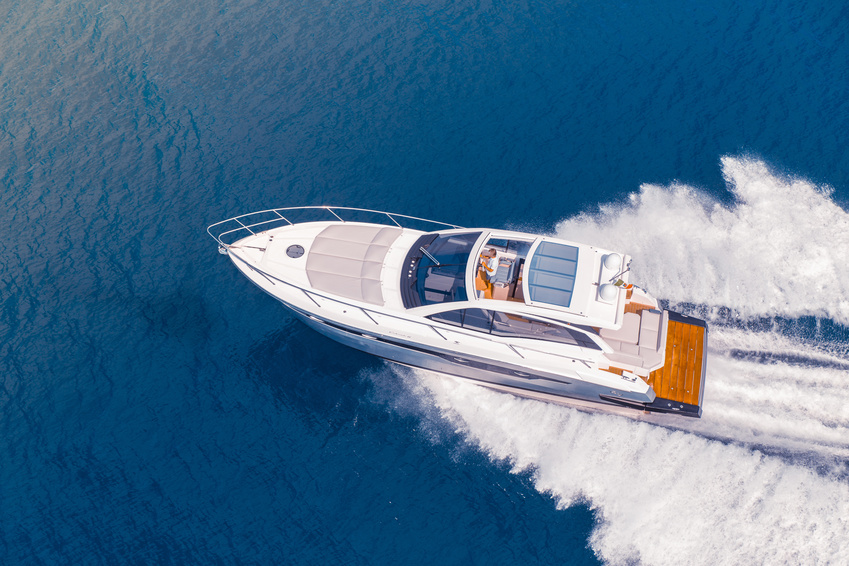 Selling shares in a yacht - A suitable co-owner can help you get back a large part of your investment and will also help permanently reduce the running costs of your yacht. Additionally, you'll be able to continue using your yacht just as before and will not have to concern yourself with anything.