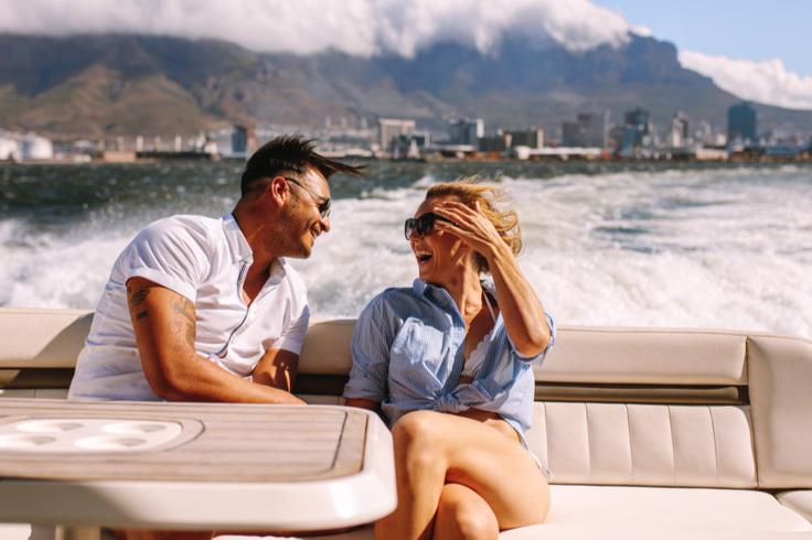 """""""Perfekte Erholung an Bord mit Familie und Freunden - und ich spare einen Großteil im Vergleich zu Charter. - H. GUTENSOHN (DEUTSCHLAND)"""