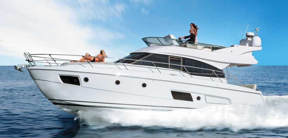 C_Bavaria 420_Fractional Yachting (10).jpg
