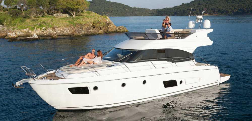 C_Bavaria 420_Fractional Yachting (0).jpg
