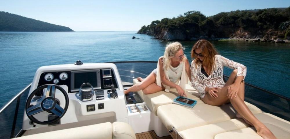 C_Bavaria 420_Fractional Yachting (6).jpg