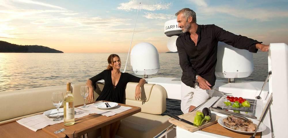 C_Bavaria 420_Fractional Yachting (7).jpg