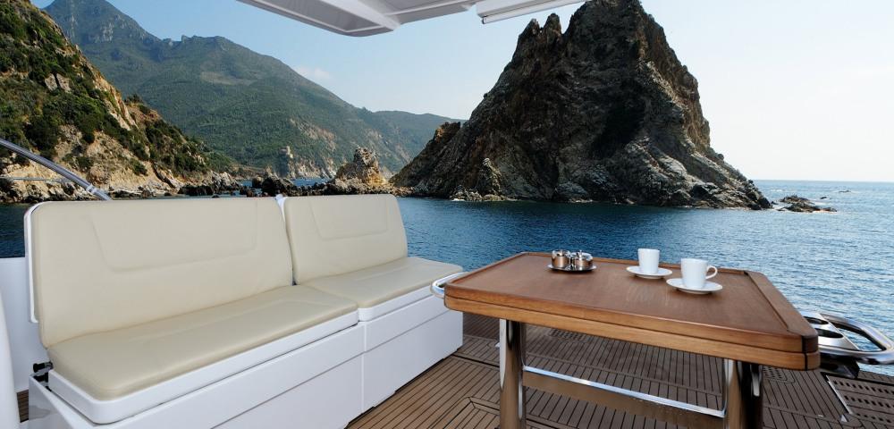 C_Bavaria 420_Fractional Yachting (9).jpg