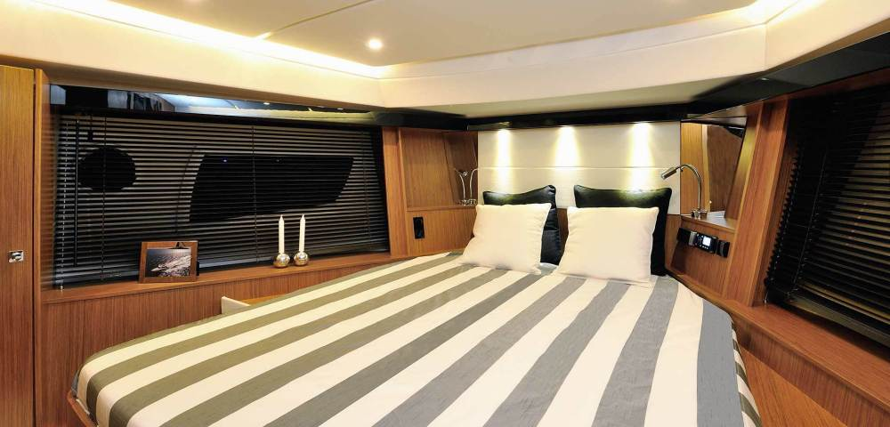 C_Bavaria 420_Fractional Yachting (8).jpg