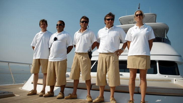 Provision of on-board crew or skipper training - Depending on the size of the yacht, a professional crew will be available to you during your stay. Or else, an experienced captain will give you intensive training and a comprehensive introduction so you can captain the yacht yourself.