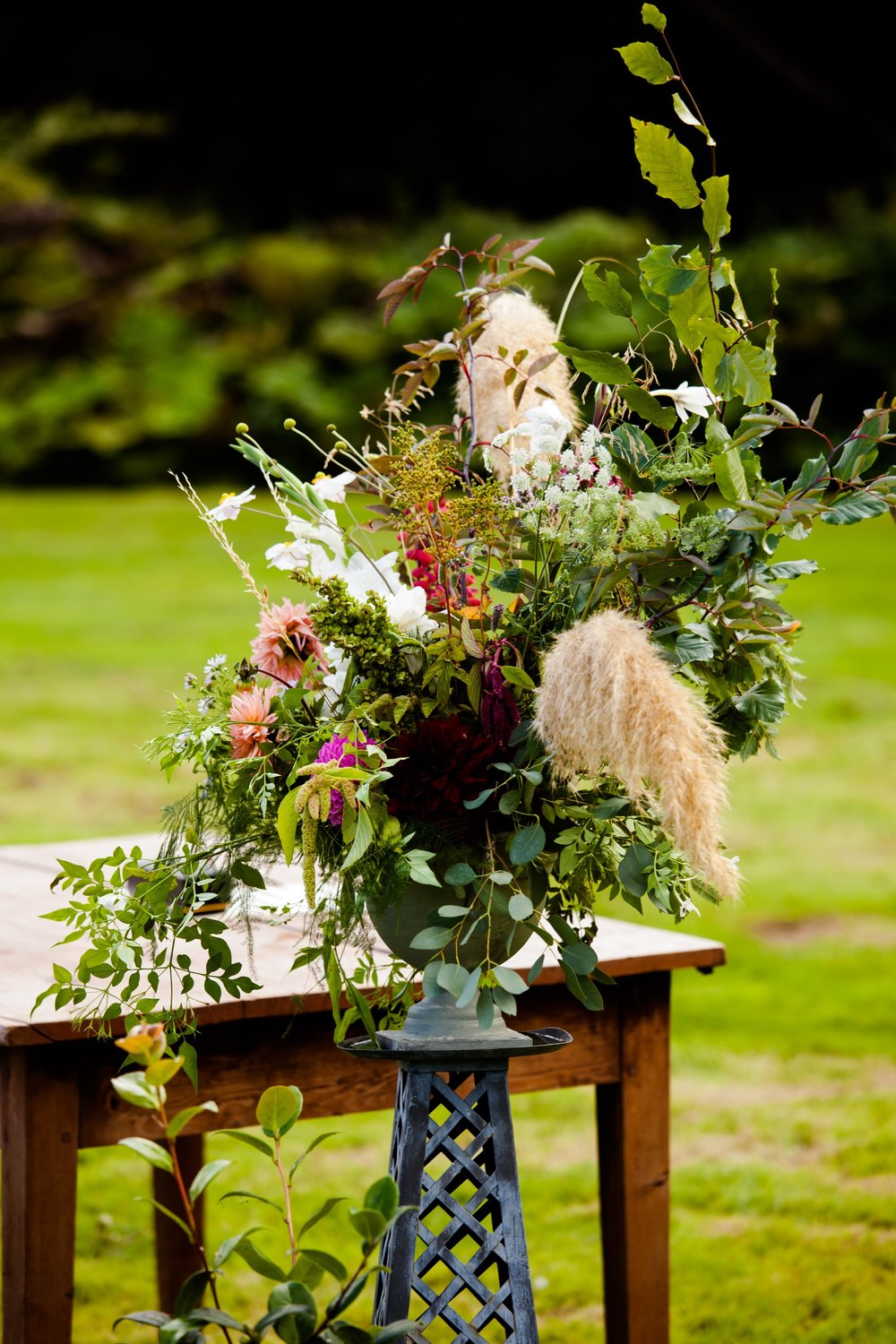adelaides-secret-garden-wedding-flowers-rosie-jamie1