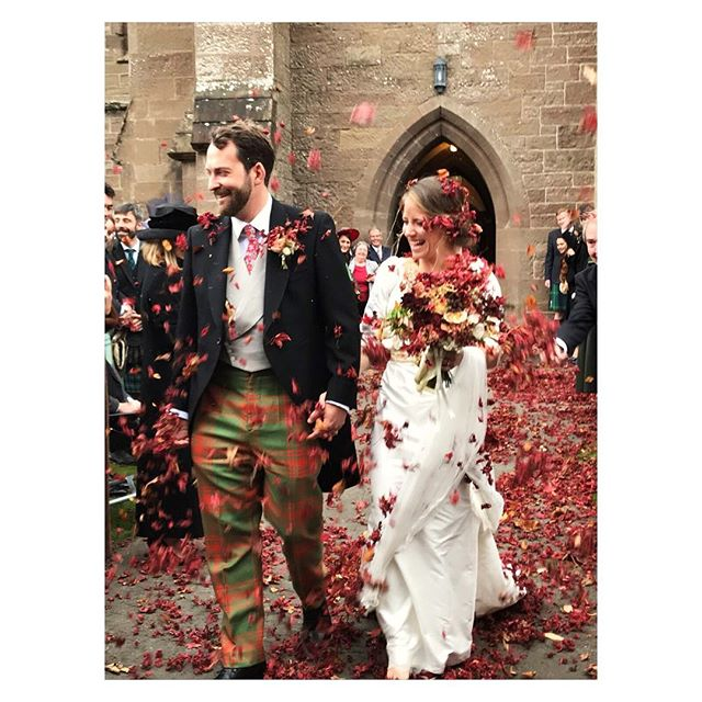 A year ago today this guy asked me to marry him, wow!! We had a fun day in October with all these leaves a white dress and some tartan. Wish we could relive that day it was THE BEST! Happy Saturday my loves! . . . . #getmarried #leaves #scotland #weddingvibes #anniversary photo cred the amazing @ionamiller24