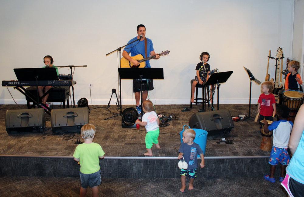 Childrens-Worship-3.jpg