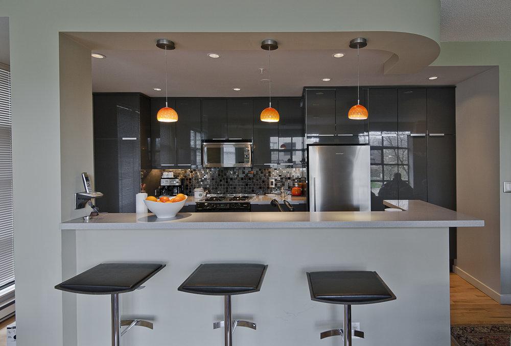 Sleek townhouse kitchen for a gentleman