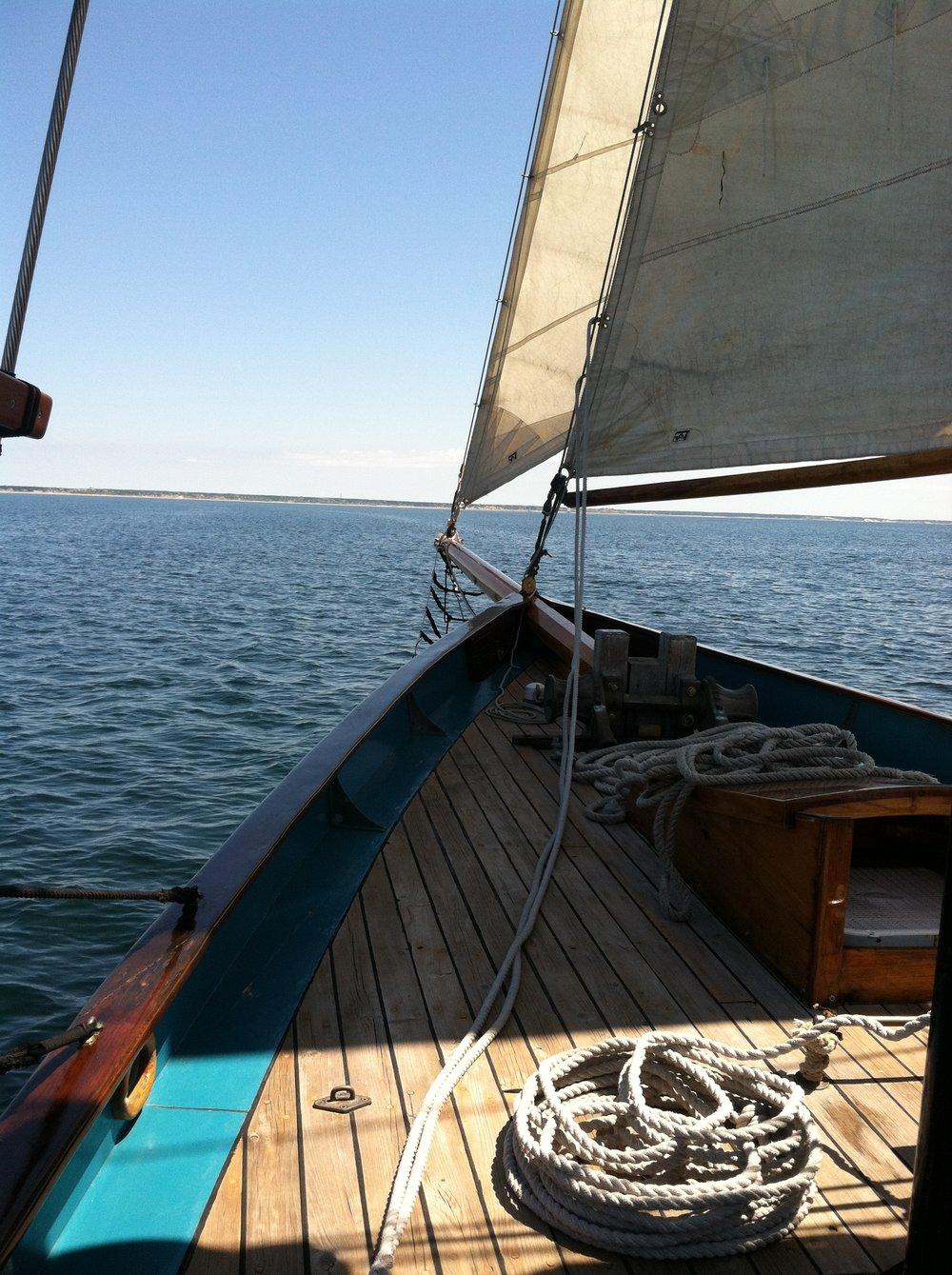 boat prow Hindu.JPG