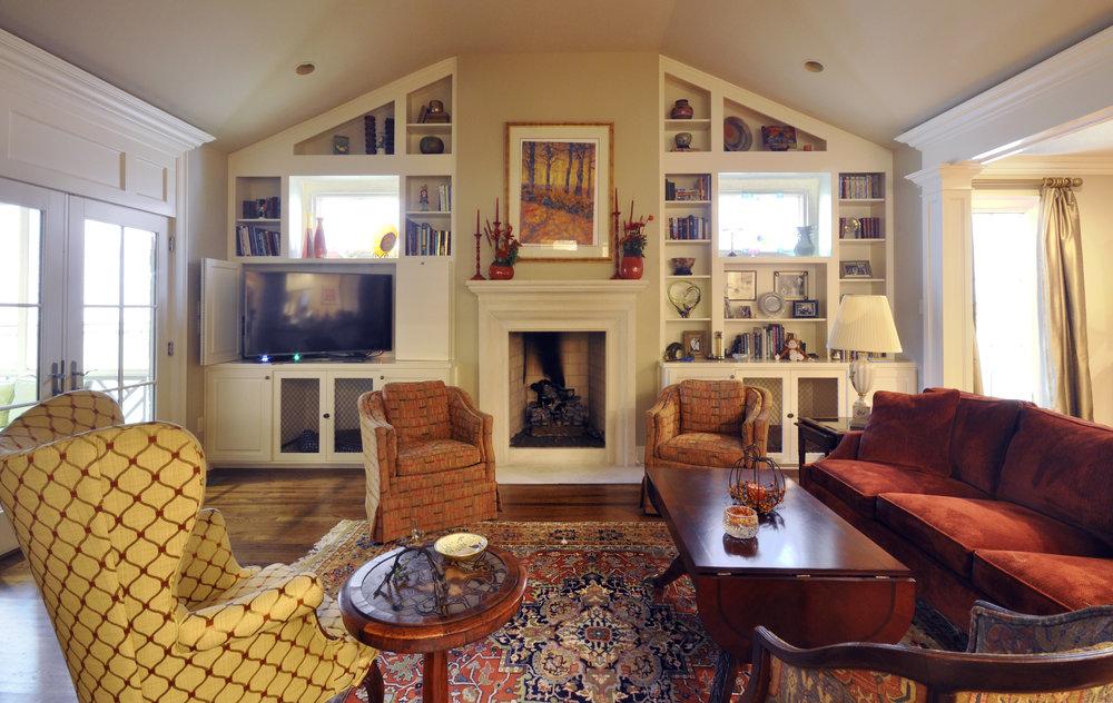 4 Davis_living_room.jpg