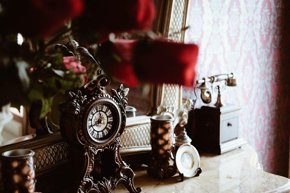 accessory-antique-blur-285857.jpg