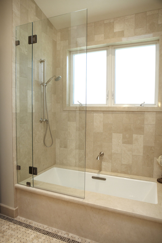 small bath.jpg