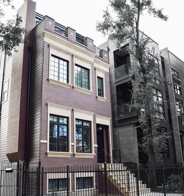 Last exterior shot for the week - Potomac Ave new construction / custom build 🔮 Posting interior shots of this beauty, soon • • • #greymarkdevelopment #greymarkdesign #custombuild #newconstruction #wickerpark #chicagohomes #chicagoluxuryhomes