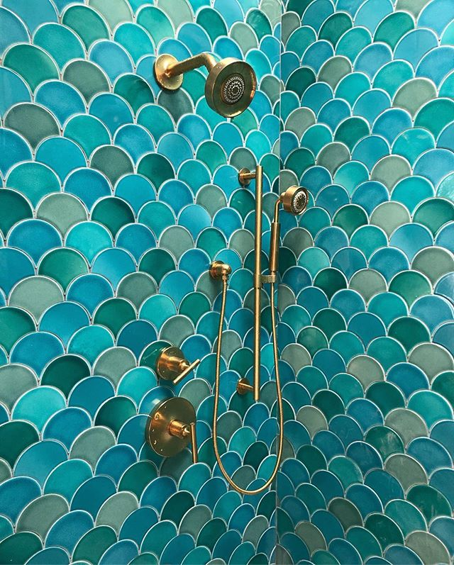 #tiletuesday sneak peak - @fireclaytile Ogee Drop in 5 different colors at a custom reno project 🧜🏼‍♀️ • • • #greymarkdevelopment #greymarkdesign #ogeedrop #fireclay #handmade #claytile #customhome #customdesign