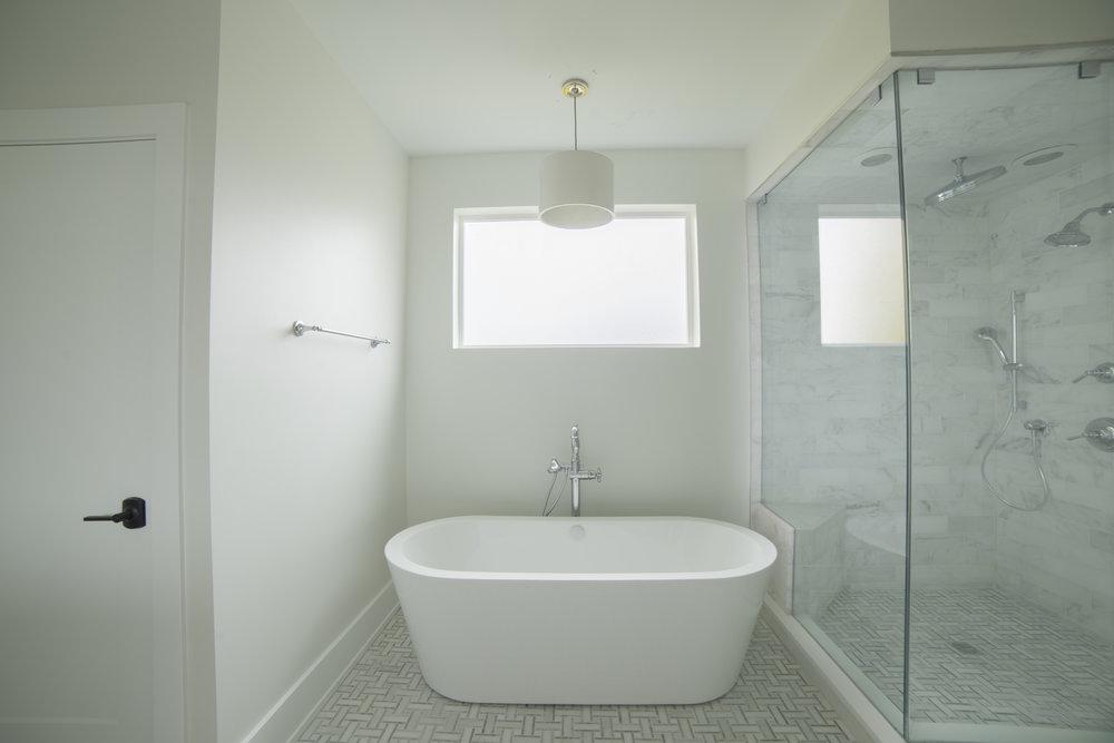 Farragut_Master Bath1.JPG