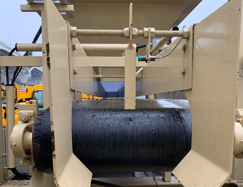 Material flow detectors