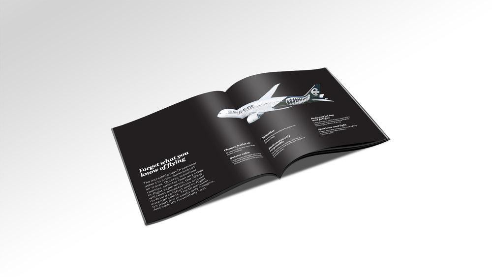 Dreamliner Inside02.jpg