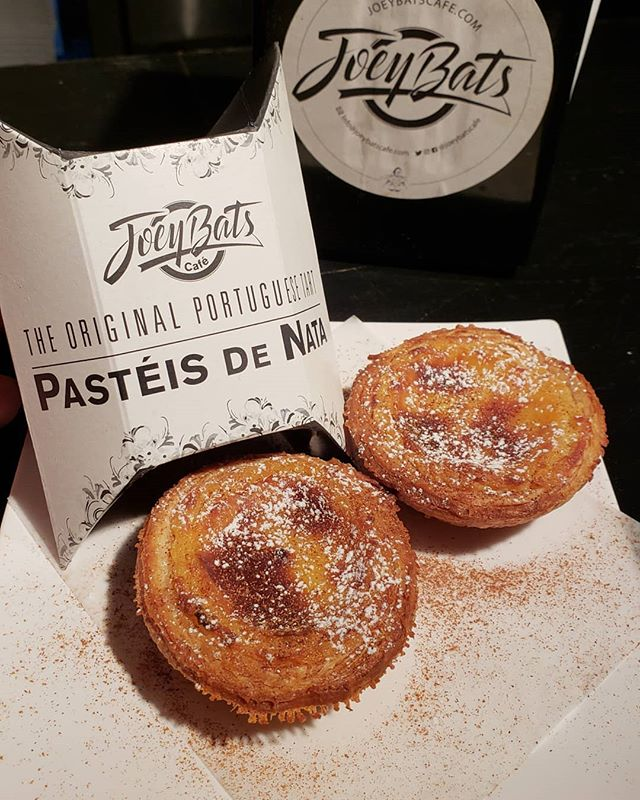 🇵🇹💥Double trouble!💥🇵🇹 My new double-pack finally came in and they look DOPE!  So now you start with a double to go and come back for the Portuguese 6-pack!  All day!  Great for gifts and catering! . . . . .  #joeybatscafe #joeysnatas #portugal🇵🇹 #pasteisdenata #quefofo #double #lesnyc #supercute
