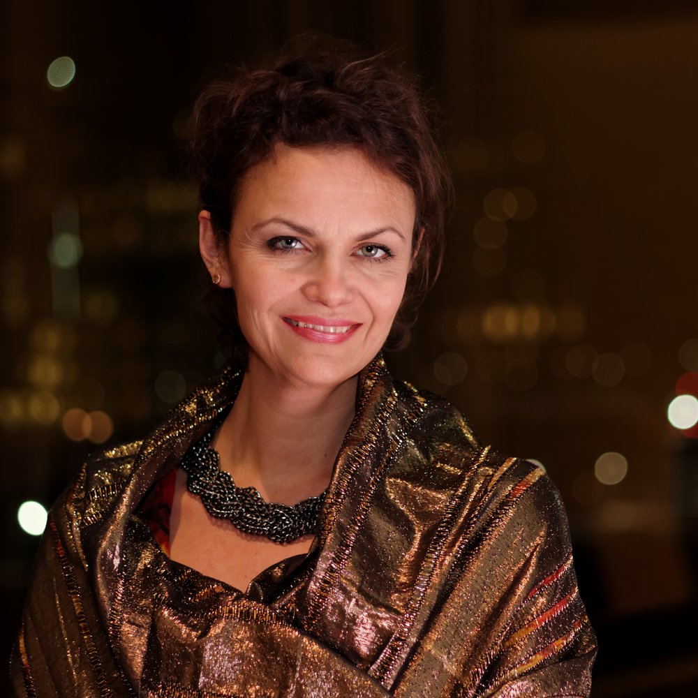 - Hege Høisæter was born in Bergen and educated in England and at the University College of Opera in Norway. The mezzo-soprano has worked at The Norwegian National Opera and Ballet since 2002, making her mark in roles such as Sextus (Mozart's Titus), Cornelia (Händel's Julius Caesar), Rebekka (world premiere of G.E. Haugland's Rebekka), and in the solo production Infinito nero (Sciarrino). In the autumn of 2018 Høisæter performed the role of the countess in Tchaikovsky's opera The Queen of Spades on the main stage of the Norwegian National Opera, and performs Erda in Wagner's Ring at the Gothenburg Opera until 2021.