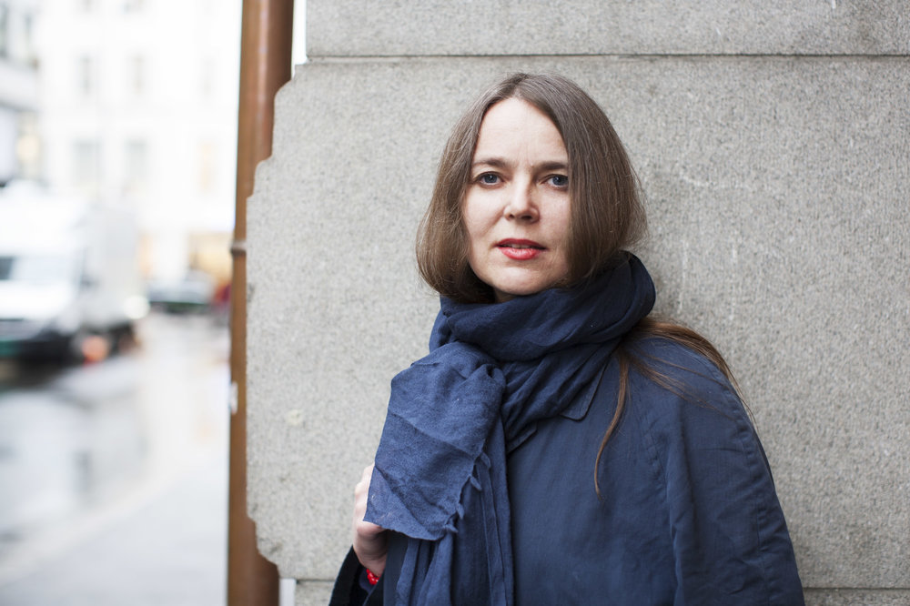 - Monica Aasprong is a Norwegian poet, living in Stockholm. The poetry collections Soldatmarkedet (2006) Et diktet barn (2010) and Sirkelsalme (til Betlehem / til Jerusalem) (2013) are published by Cappelen Damm, but an important part of her work is installations and expressions that explore the boundaries between literature and other art forms. She has previously collaborated with Maja S. K. Ratkje on Soldatmarkedet, a sound installation (2005) in the crypt at Hordaland Artist Centre and Sirkelsalme, a concert (2013) at Kunstnernes Hus in Oslo. Aasprong's latest work is Nomenclatur Mnemosyne which was presented at an exhibition at Kristiansand kunsthall in the autumn of 2018.Photo: Maja Hattvang