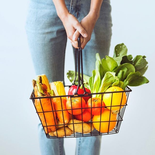 "Learn the two biggest lessons to successfully start your own plant stash and eat healthier every day 🍎 __________________________________ New post on the website: ""Before you Start"". Link in bio."