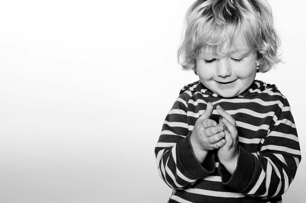 JMA-PHOTOGRAPHY-PORTRAI-PHOTOGRAPHER-BOY-LOOKING AT-HANDS.jpg