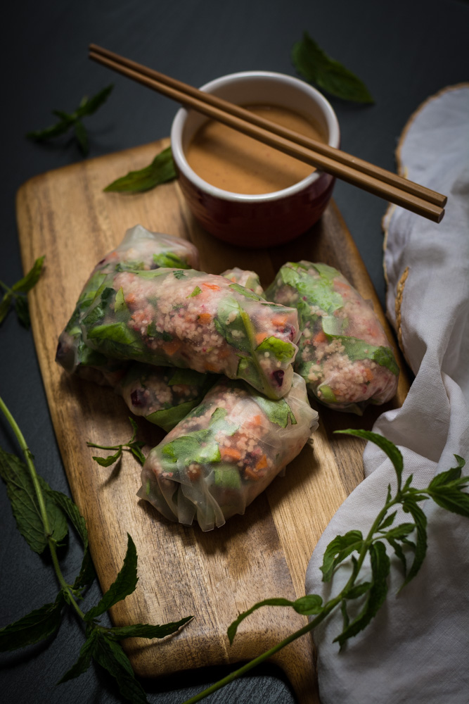 No Cook, Vegan Summer Spring Rolls with a Chilli - Garlic Peanut Butter Dip. -