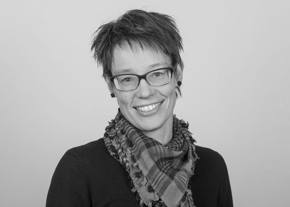 Kristin Stokke Folstad   +47 988 84 850  kristinstokke.folstad@steinkjer-regnskap.no