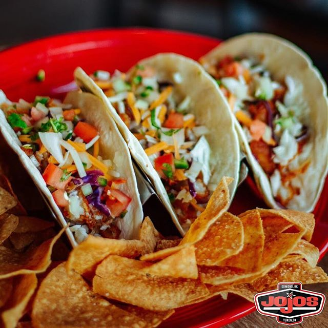 #tacotuesday is where you'll want to be! FREE TACO BAR from 5:30-7:30 PM 🌮🤯 $2 Tacos All Day + $2 @dosequis drafts @jojostaphouse!