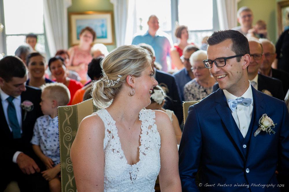 Gemeentehuis Lier trouw ceremonie bruid en bruidegom foto
