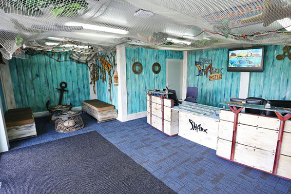 Thorpe-Park-Shark-Hotel-Reception.jpg