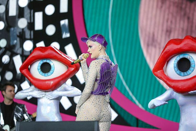 Katy Perry Glastonbury.jpg