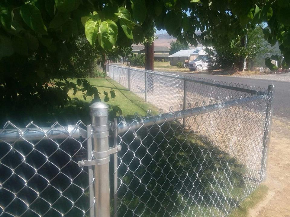 Eagle Fence Store NCW Galvanized Chain 1.jpg
