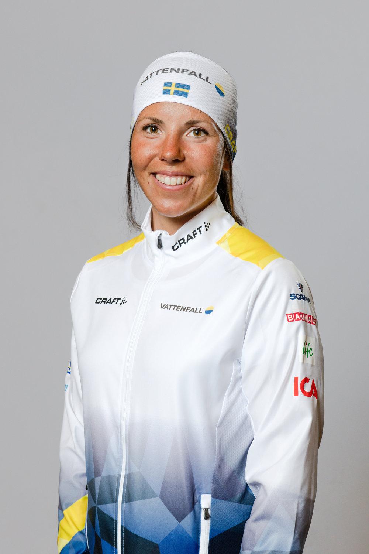 Vi har aldrig bjudit vår omvärld på ett vinter-OS - nu är det dags för Sverige att ge tillbaka! - Charlotte Kalla behöver ingen längre presentation som en av Sveriges och världens mest framgångsrika längdåkare med sina fem OS-medaljer och tolv VM-medaljer. Hon har upplevt det mesta i tävlingsväg, men något hon verkligen längtar efter är ett OS på hemmaplan.