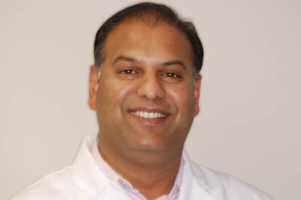 Suman Reddivari, DMD - Dr. Reddivari has been a general dentist since 2003. He graduated with a bachelor's degree in dentistry in India before earning his Doctor of Dental Medicine degree, with high honors, from Boston University, Goldman School of Dental Medicine.