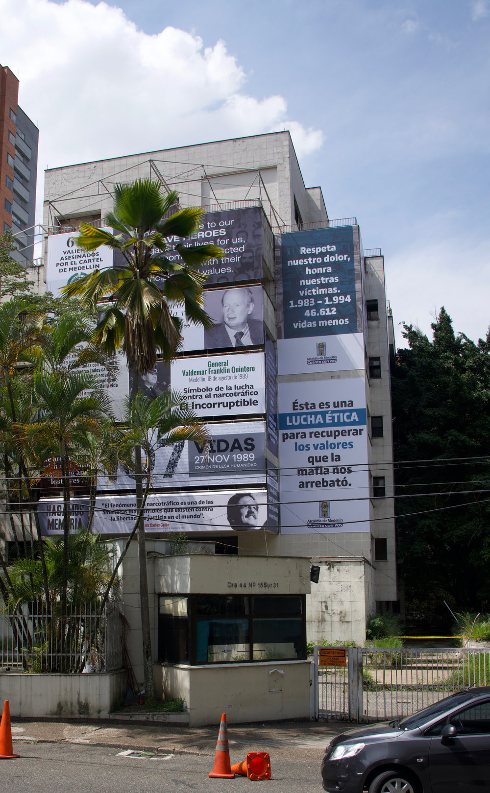 Remembering the fallen - In preparation for demolition, Medellín reminds tourists of the price paid