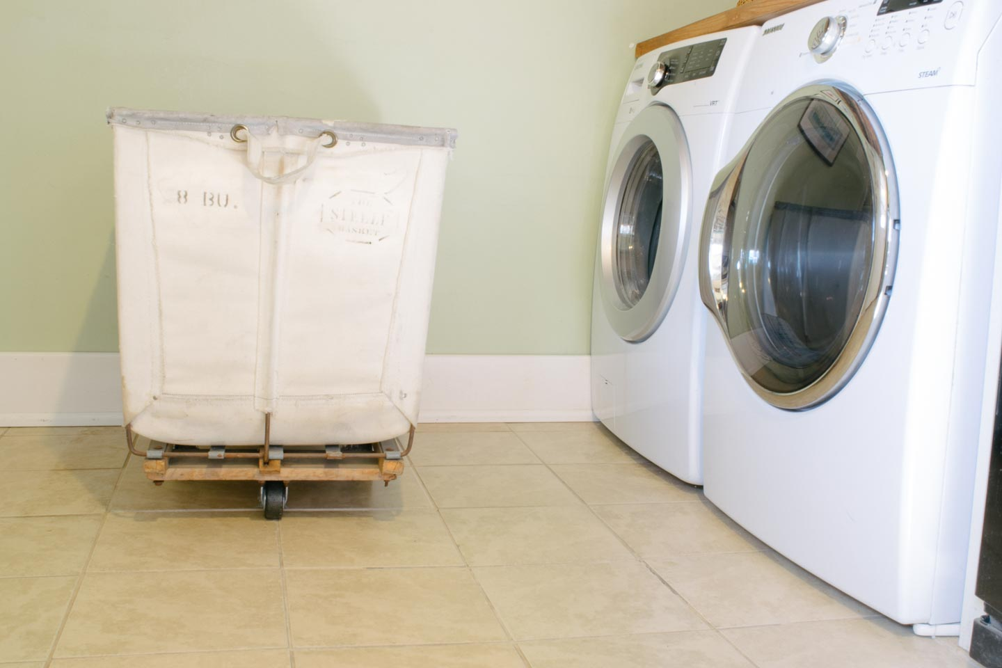 Steele Laundry Bin and Washer/ Dryer
