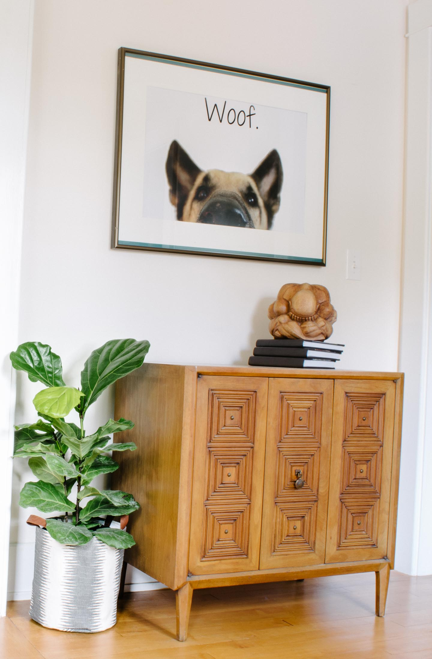 front entryway with german shepherd art