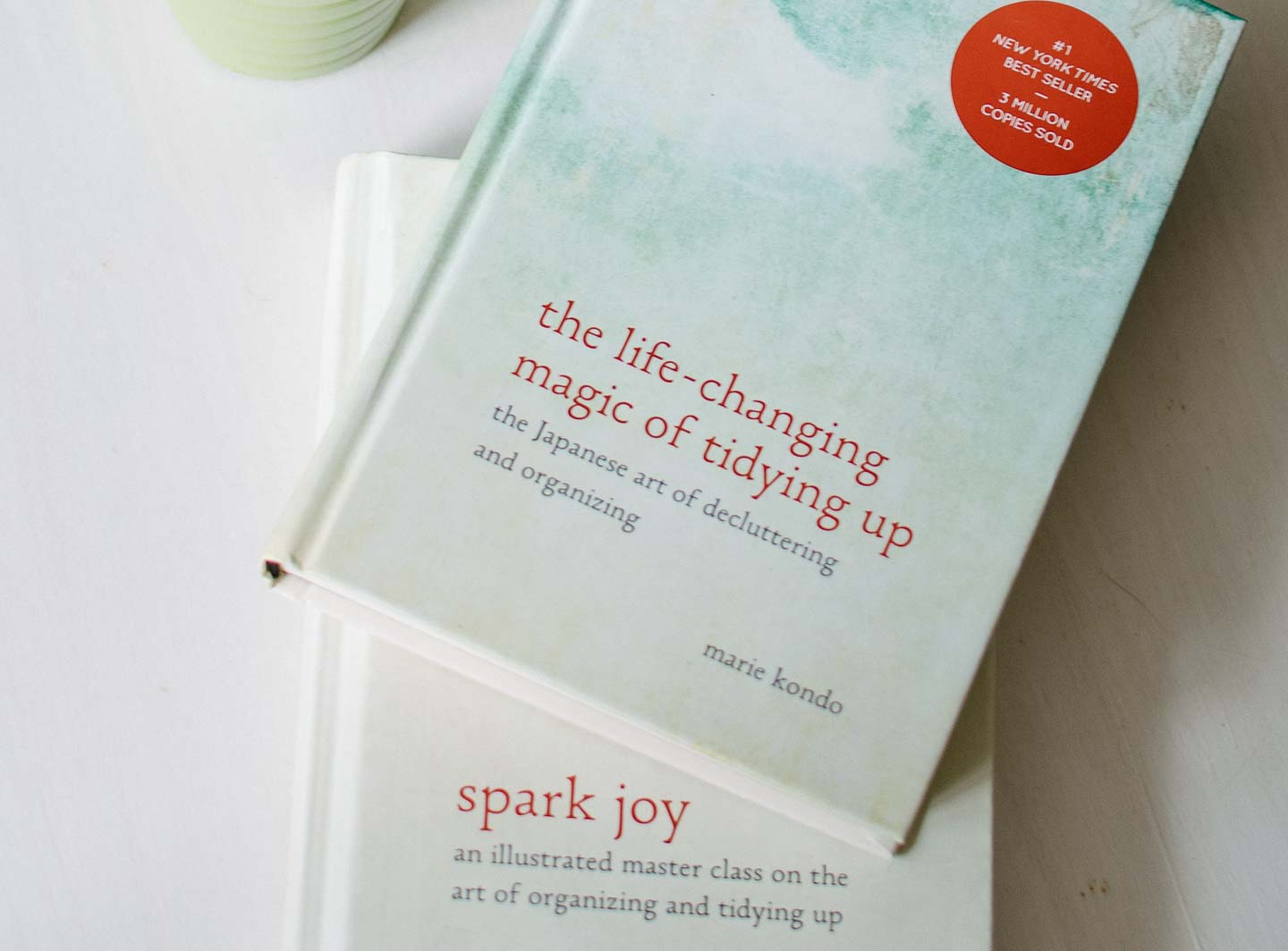 Magic Of Tidying | Organizing | De-Cluttering | Minimalist Lifestyle | Minimalist Home | Life Changing Magic Of Tidying Up |