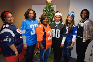 NFL_Moms_Christmas_Serve_Day.JPG