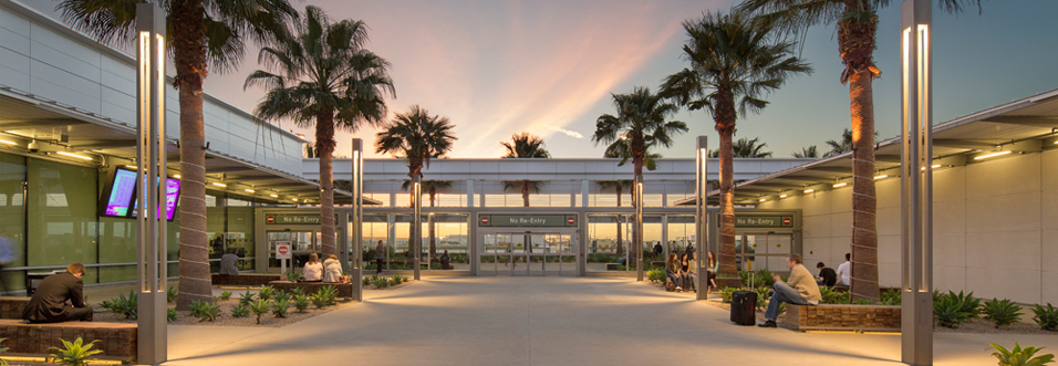 LONG BEACH AIRPORT (LGB) -