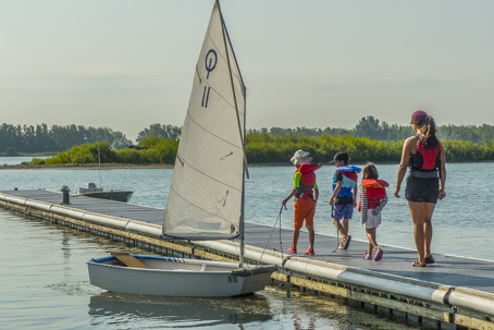 Sailing Fanatics OHSF Water Sport Camp sail at age 8 and up Outer Harbour Toronto learn to sail camp