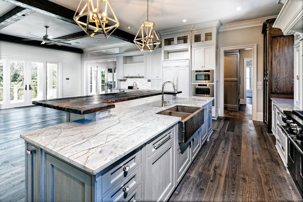 kitchen4resize.jpg
