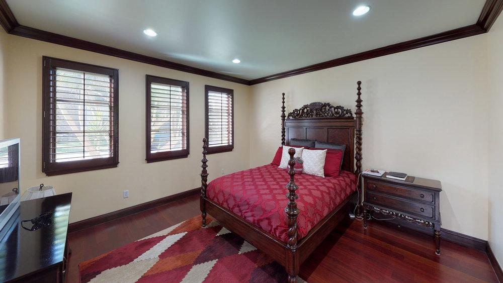 903-10th-Street-Bedroom (2).jpg