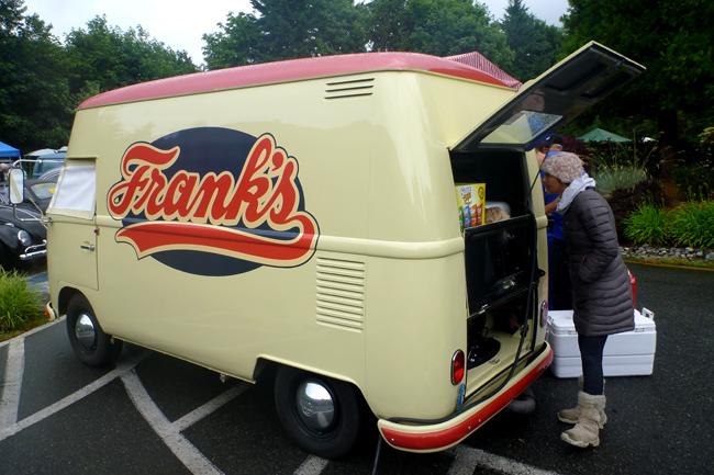 hot dog bus
