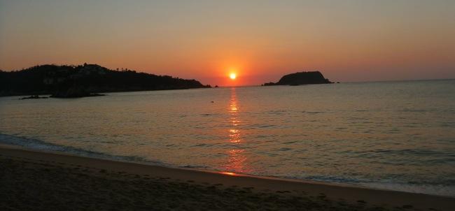 huatulco-sunset.jpg