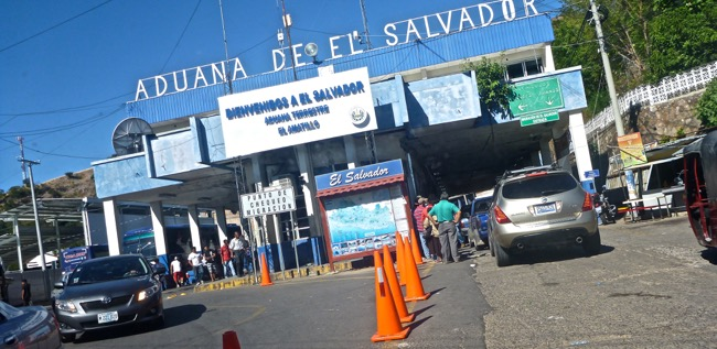 el salvador border